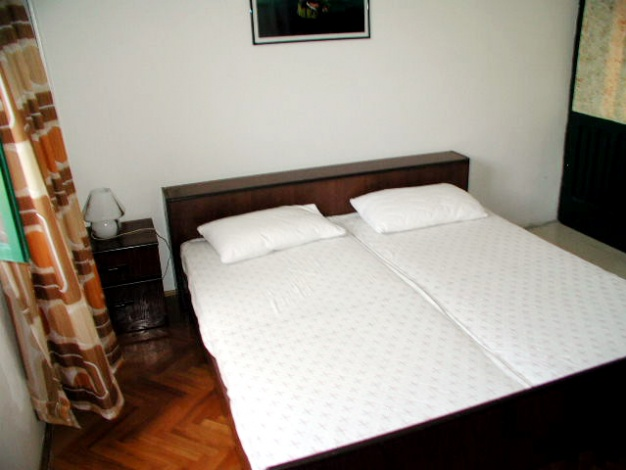 sime-betina-apartment4b-room1